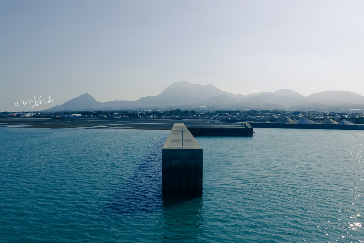 雲仙岳と有明海の防波堤